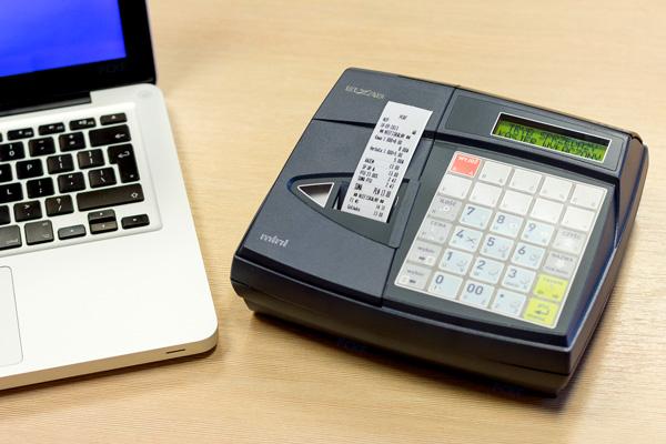 Kasa fiskalna Elzab Mini - Świetnie współpracuje z komputerem, wagą